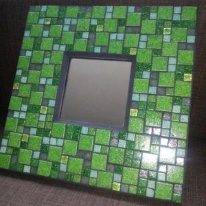 """Mozaikos \""""smaragd\"""" tükör, Dekoráció, Otthon & lakás, Dísz, Lakberendezés, Képkeret, tükör, Mozaik, Többféle zöld színű üvegmozaikokkal díszített tükör. A zöld mozaikok között fekete fuga található.\nA..., Meska"""