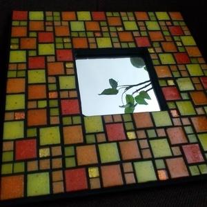Sárga mozaikos tükör, Dekoráció, Otthon & lakás, Lakberendezés, Képkeret, tükör, Dísz, Mozaik, Citrom- és narancssárga színű különböző nagyságú üvegmozaikokkal díszített tükör, a mozaikok között ..., Meska