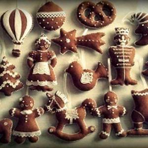 """Rendelhető válogatás filc \""""mézesek\""""-ből, Karácsonyfadísz, Karácsony & Mikulás, Otthon & Lakás, Varrás, A képen látható \""""mézesek\"""" rendelésre készültek,de  összeállíthatod Te is ünnepi kollekciódat!\n(Idén ..., Meska"""