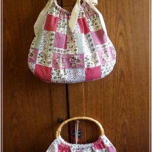 Rózsás patchwork táska, ovális bambusz füllel (pannika) - Meska.hu