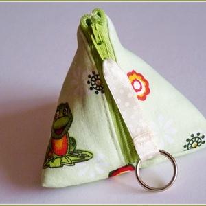 Háromszög kis-táska, cumitartó, kulcstartó, bármitartó (pannika) - Meska.hu