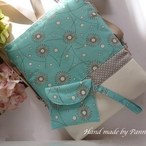 Betéttartó. Kék-fehér virágmintás kézitáska, egészségügyi táska  (pannika) - Meska.hu