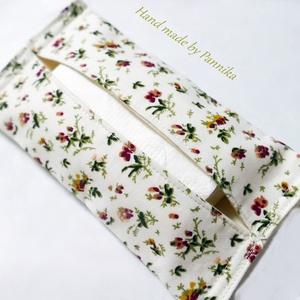 Zsebkendőtartó pici mályva  rózsákkal, Táska, Divat & Szépség, Táska, NoWaste, Textilek, Patchwork, foltvarrás, Varrás, Textilből készült papír-zsebkendő tartó, amit minőségi  vászonból készítettem.\nNagyon praktikus dara..., Meska