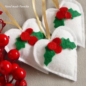 Hószívem magyallal, Otthon & lakás, Dekoráció, Ünnepi dekoráció, Karácsony, Karácsonyi dekoráció, Patchwork, foltvarrás, Varrás, Hófehér szíveket készítettem. Csodaszép karácsonyi dekoráció.\n\nFilc anyagból készültek.\nDanulonnal b..., Meska