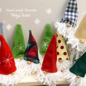 Manó csapat 10darab, Otthon & lakás, Dekoráció, Ünnepi dekoráció, Karácsony, Karácsonyi dekoráció, Baba-és bábkészítés, Varrás, Ünnepváró, pöttöm manók!\nSzépen összegyűltek:)\nVárják az ünnepet. Még együtt dalolásznak,búcsúzkodna..., Meska