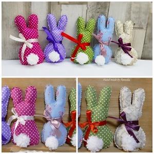 Húsvéti textil nyuszi, pom-pom farokkal (5db színes nyuszi), Gyerek & játék, Otthon & lakás, Dekoráció, Ünnepi dekoráció, Húsvéti díszek, Baba-és bábkészítés, Varrás, Nyuszik 390Ft/ darab áron.\nItt az öt darab árát adtam meg, ami az első képen szerepló, színes nyuszi..., Meska