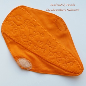 Tanga tisztasági, intim betét, narancssárga ökovászon frottírral bélelve. Környezetbarát, nowaste, Zero Waste, NoWaste, Textilek, Otthon & lakás, Táska, Divat & Szépség, Szépség(ápolás), Egészségmegőrzés, Varrás, Hímzés, Tanga tisztasági, intim betétet készítettem, narancssárga ökovászonból. \nKözépen frottírral béleltem..., Meska