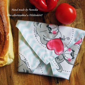 Öko szendvics-csomagolás (Vízálló kutyusos textilszalvéta), NoWaste, Textilek, Textil tároló, Táska, Divat & Szépség, Varrás, NoWaste!  Hulladék mentes szendvics-csomagolás. Öko szalvéta. TÖBB PONTON ZÁRÓDÓ!\nKutyusos  textil s..., Meska