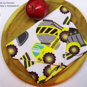 Öko szendvics-csomagolás (munkagépes vízálló textilszalvéta), Táska & Tok, Uzsonna- & Ebéd tartó, Szendvics csomagoló, Varrás, NoWaste!  Hulladék mentes szendvics-csomagolás. Öko szalvéta. TÖBB PONTON ZÁRÓDÓ!\nVidám mintás  text..., Meska