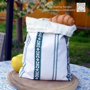 Péksütis zsák, uzsonnás zsák , Táska & Tok, Uzsonna- & Ebéd tartó, Szendvics csomagoló, Varrás, Patchwork, foltvarrás, Minőségi népies zöld-fehér vászonból készítettem ezt a kis zsákocskát. Vízhatlan, kitörölhető belsőr..., Meska