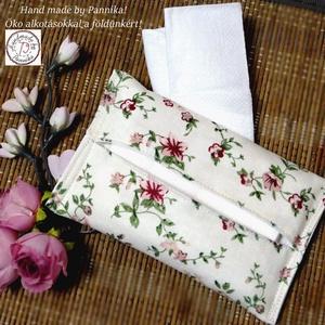 Zsebkendőtartó / fertőtlenítő kendő tartó  virágokkal, Otthon & Lakás, Tárolás & Rendszerezés, Zsebkendőtartó, Patchwork, foltvarrás, Varrás, Textilből készült papír-zsebkendő tartó, amit minőségi  vászonból készítettem.\nNagyon praktikus dara..., Meska