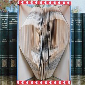 Szerelmes pár szív alakban, Egyéb, Furcsaságok, Otthon & lakás, Dekoráció, Dísz, Lakberendezés, Asztaldísz, Mindenmás, Papírművészet, Egyszerű hajtogatás technikával készült könyvszobor. \nA könyv magassága 24 cm.\nA művet a szerelem ih..., Meska