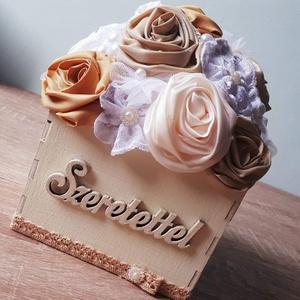 Dobozvirág , Doboz, Emlék & Ajándék, Esküvő, Varrás, Virágkötés, Egyedi fejlesztésű dobozvirág. Ajándékba, esküvőre köszönőajándékként szülőknek, nagyszülőknek.\n\nMin..., Meska
