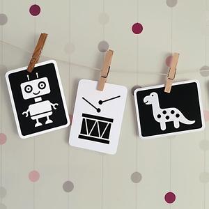 A játékláda kincsei - fejlesztő kontraszt kártya csomag babáknak, Játék & Gyerek, 3 éves kor alattiaknak, Készségfejlesztő, Fotó, grafika, rajz, illusztráció, Kontrasztos formák fekete-fehérben. A babák látása fokozatosan fejlődik. Észlelésük kezdetben homály..., Meska