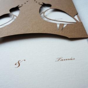 Madárkás meghívó, Otthon & lakás, Naptár, képeslap, album, Ajándékkísérő, Képeslap, levélpapír, Ez a papírkivágással készült esküvői meghívó igazán egyedi darab! Mérete:La/4 méretnél kicsit kisebb..., Meska