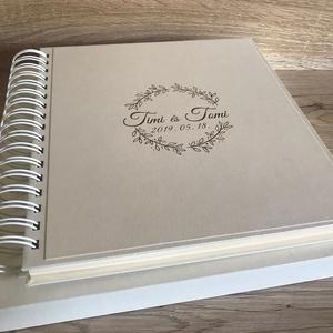 Polaroid fotókönyv esküvői logóval, Otthon & lakás, Naptár, képeslap, album, Esküvő, Papírművészet, Keménytáblás, fém spirállal fűzött fotóalbum, írható lapokkal, a vásárláskor megadott nevekkel és dá..., Meska