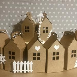 Adventi házak-24 db-os csomag, karácsonyi falu, , Otthon & Lakás, Karácsony & Mikulás, Adventi naptár, Papírművészet, Adventi falu összeállításához alkalmas papírdobozkák, újrahasznosított barna kraft, tejeskávé színű,..., Meska