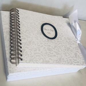 Csipkekönyv -  Polaroid vendégkönyv, Esküvői fényképalbum, Rézverettel, Szatén megkötővel,  díszdobozzal , Vendégkönyv, Emlék & Ajándék, Esküvő, Papírművészet, Könyvkötés, Csipke hatású kötészeti anyaggal bevont borítókkal, szatén megkötőkkel készült spirálkötésű fotóalbu..., Meska