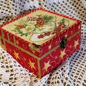 Karácsonyi teásdoboz, Otthon & lakás, Lakberendezés, Tárolóeszköz, Doboz, Egy 15x15x8 cm-es,négy részes teafilter tartó doboz tetejét krémszínűre festettem, majd kívül-belül ..., Meska