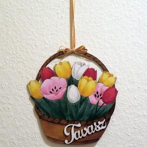 Tavaszi függő, Otthon & lakás, Lakberendezés, Ajtódísz, kopogtató, Egy lézervágott fa alapot akril festékkel kifestettem, árnyékoltam, végül lelakkoztam. 'Tavasz' fafe..., Meska