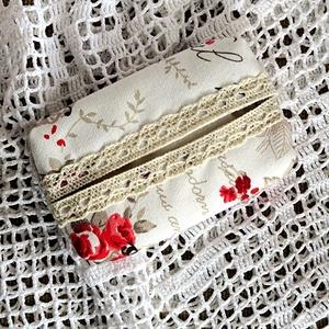 Vászon zsebkendőtartó, Táska & Tok, Pénztárca & Más tok, Zsebkendőtartó, Varrás, Csinos zsepitartót készítettem romantikus hölgyeknek rózsás vászonból, és pamutcsipkével díszítettem..., Meska
