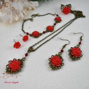 Antónia piros vintage virágos rózsás nyaklánc fülbevaló karkötő gyűrű szett (papmelus) - Meska.hu