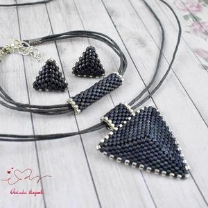 Acélszürke háromszög nyaklánc fülbevaló karkötő szett (papmelus) - Meska.hu