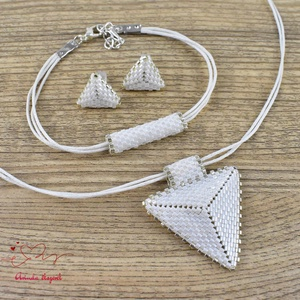 Fehér háromszög nyaklánc fülbevaló karkötő szett (papmelus) - Meska.hu