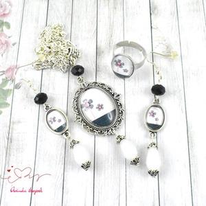 Pink-fekete virágok üveglencsés vintage nyaklánc fülbevaló gyűrű szett (papmelus) - Meska.hu