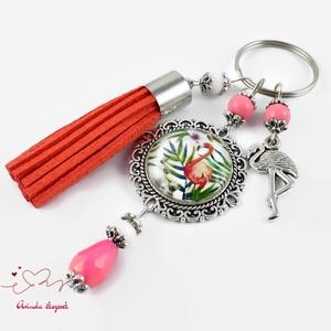 Nyári emlék flamingó bojtos üveglencsés kulcstartó táskadísz anyák napja ballagás évzáró pedagógus karácsony szülinap (papmelus) - Meska.hu