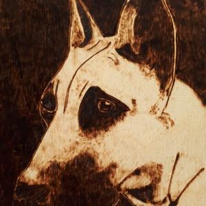 Dog - kutyafej falikép, Otthon & Lakás, Dekoráció, Kép & Falikép, Gravírozás, pirográfia, Pirográf technikával, fára égettem ezt a dán dog fejet. \n\nAlap: nyírfa lemez, 3 mm vastag\n\nMéret: 11..., Meska