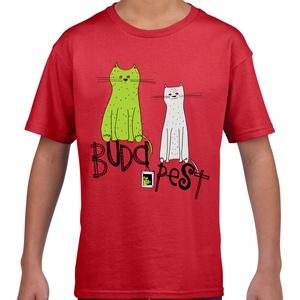 Cicák és Budapest - piros macskás gyerek póló - uniszex, Ruha & Divat, Babaruha & Gyerekruha, Póló, Fotó, grafika, rajz, illusztráció, Piros pamut pólóra szitanyomással került rá a cicás minta \n\n2-től 12 éves korig van belőle méret. Un..., Meska