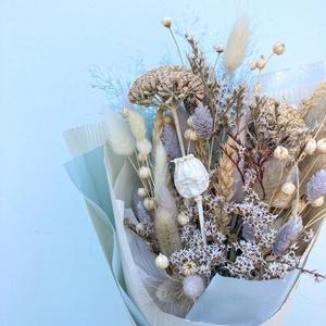 """Szárazvirág csokor (halvány kék), Otthon & Lakás, Dekoráció, Csokor & Virágdísz, Virágkötés, 2021 legdivatosabb csokrai a szárazvirág csokrok. Miért fogod imádni?\n-akár \""""örökké\"""" megmarad hiszen..., Meska"""