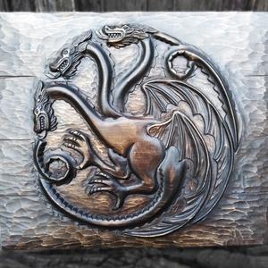 Trónok harca fali dísz, Targaryen címer, Otthon & lakás, Dekoráció, Kép, Lakberendezés, Falikép, Famegmunkálás, Targaryen címer fali dísz fából faragva. Egyedi megrendelés esetén más Trónok harca címer is elérhet..., Meska