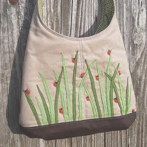 Katicák drapp színű  kord pakolós táska, Táska & Tok, Kézitáska & válltáska, Nagy pakolós táska, Szeretem a közepes méretű táskákat, mert korlátoznak, hogy mit is vigyek magammal. De sokan a pakoló..., Meska