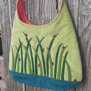 Katicák a fűben zöld színű  kord pakolós táska, Táska & Tok, Kézitáska & válltáska, Nagy pakolós táska, Varrás, Szeretem a közepes méretű táskákat, mert korlátoznak, hogy mit is vigyek magammal. De sokan a pakoló..., Meska