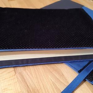 Könyvkabát - Fekete bársony, Otthon & Lakás, Papír írószer, Könyv- és füzetborító, Varrás, Azoknak, akik utaztatják és szeretik a könyveiket! \nLeírás: A borító nagysága A5 méretű, abból a meg..., Meska