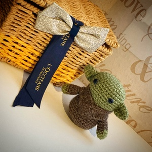 Baby Yoda, Játék & Gyerek, Plüssállat & Játékfigura, Más figura, Horgolás, RENDELHETŐ ez a kis baby Yoda. \nAz elkészítési idő ~ 1 hét, de ez változhat az aktuális rendelések s..., Meska