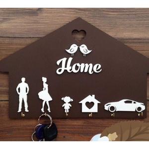Családi kulcstartó, Otthon & Lakás, Bútor, Kulcstartó szekrény, Famegmunkálás, Festett tárgyak, A család minden tagja megtalálja a saját akasztóját. Nincs több összekevert kulcscsomó :) Igény szer..., Meska