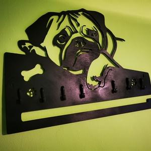 Óriás kutyás mopsz fali kulcstartó, póráztartóval , Otthon & Lakás, Bútor, Kulcstartó szekrény, Famegmunkálás, Festett tárgyak, Meska