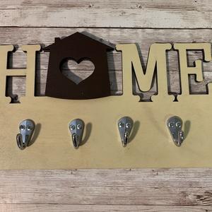 Home feliratú kulcstartó, Otthon & Lakás, Bútor, Kulcstartó szekrény, Famegmunkálás, Festett tárgyak, Praktikus, letisztult fali kulcstartó. Méretei: 30 x 17 cm, Meska