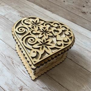 Szív alakú doboz, Otthon & Lakás, Dekoráció, Díszdoboz, Famegmunkálás, Szív alakú doboz alkamlas ékszerek tárolására vagy egy ajándék átadására is, de akár csokival is meg..., Meska