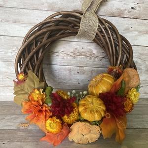 Kopogtató őszi vir�gokkal és tökökkel - otthon & lakás - dekoráció - ajtódísz & kopogtató - Meska.hu