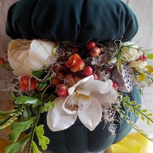 Óriás tök, asztaldísz, dekoráció, Asztaldísz, Dekoráció, Otthon & Lakás, Mindenmás, Kalapdoboz alapra készült  virágos textíltök asztali dekoráció.\nMérete:30x33cm, Meska