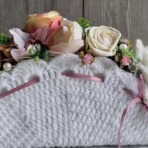 Egyedi horgolt virágkosarak születésnapra, névnapra, évfordulóra...., Csokor & Virágdísz, Dekoráció, Otthon & Lakás, Mindenmás, Saját fejlesztésű horgolt(de textíl vagy selyem bevonatú is lehet) virágboxok, kosarak, ridiküllök. ..., Meska