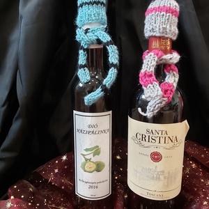 """Karácsonyi ajándék \""""csomagoló\"""" kis sapka sál szett, Otthon & Lakás, Karácsony & Mikulás, Karácsonyi csomagolás, Kötés, Rendelésre készítem ezeket a kis kötött sapkákat és sálakat.\nCéges ajándékokhoz, borászoknak vagy ak..., Meska"""