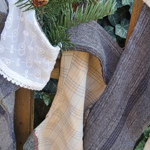 Country, Farmhause stílusú kandallóra akasutható textíl zoknik, Karácsony, Mikulás, Mikulás zsák, zokni, csizma, Varrás, Meska