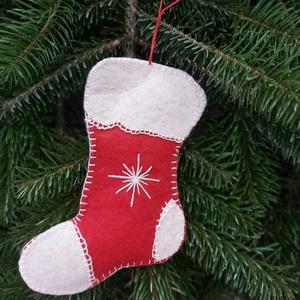Kézzel varrt karácsonyi fílc csizma, Karácsony & Mikulás, Karácsonyfadísz, Varrás, Kézzel varrott fílc karácsonyfadíszek.\nMérete 13cm, Meska