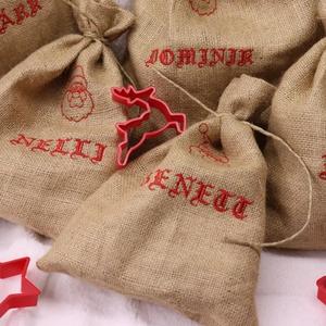 HÍMZETT AJÁNDÉKZSÁK, mikulás zsák, textízsák, rusztikus mikulászsák, Karácsony & Mikulás, Karácsonyi csomagolás, Varrás, Zsákszövetbőll készült ajándékzsák mikulásra, karácsonyra.\nÚjra és újra használható.\nAz ünnepek elmú..., Meska