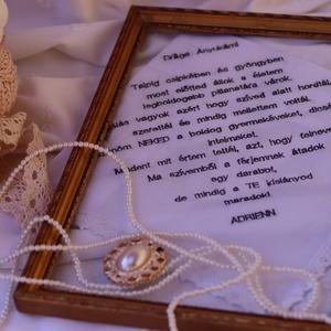 Hímzett zsebkendő, szülőköszöntő ajándék esküvőre, anyáknapi ajándék, Otthon & Lakás, Dekoráció, Dísztárgy, Hímzés, Varrás, Meska